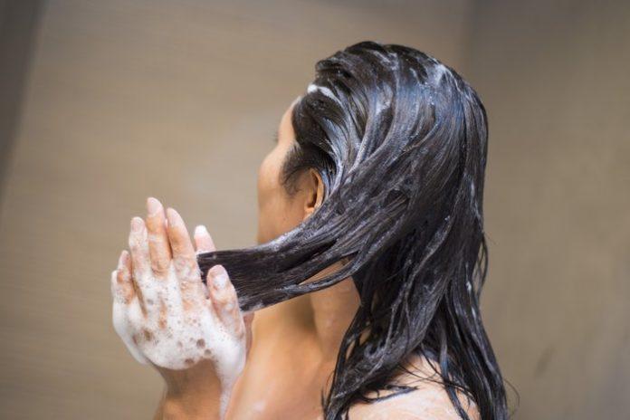 Saç Tipine Uygun Şampuan Seçimi