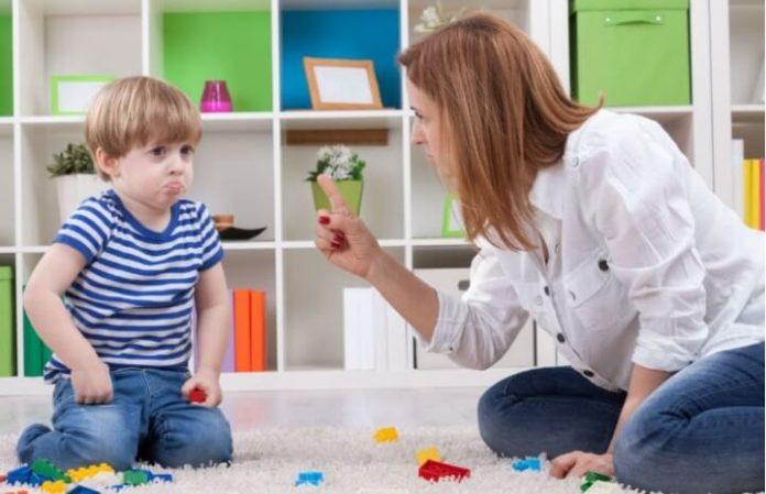 Yaramazlık Yapan Çocuğa Nasıl Davranmalı